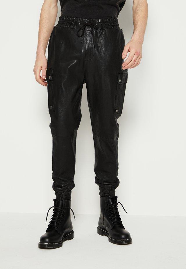BEDAIN - Pantalon cargo - black