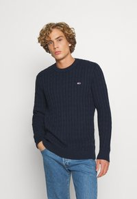 Tommy Jeans - ESSENTIAL CABLE SWEATER - Maglione - twilight navy - 0