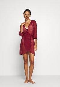 Triumph - SPOTLIGHT ROBE - Dressing gown - cardinal - 1