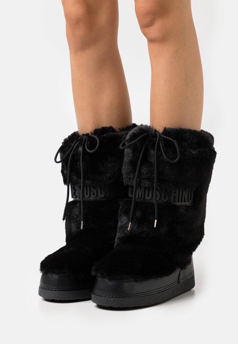 Love Moschino - Winter boots - nero