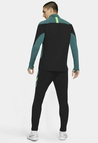 Nike Performance - DRY ACADEMY SUIT - Survêtement - black/black/green strike/green strike - 1