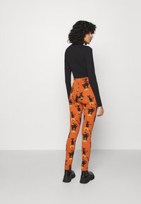 Monki - Leggings - Trousers - orange - 2