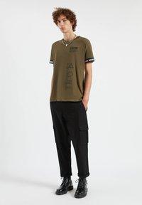 PULL&BEAR - Print T-shirt - dark green - 1