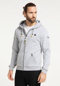 Schmuddelwedda - SWEATJACKE - Zip-up hoodie - hellgrau melange - 0