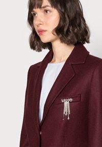 Liu Jo Jeans - CAPPOTTO JASMINUM - Classic coat - charm red - 3