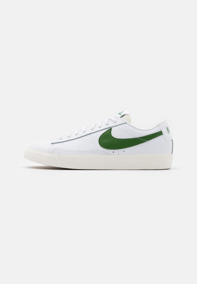 Nike Sportswear - BLAZER - Matalavartiset tennarit - white/forest green/sail