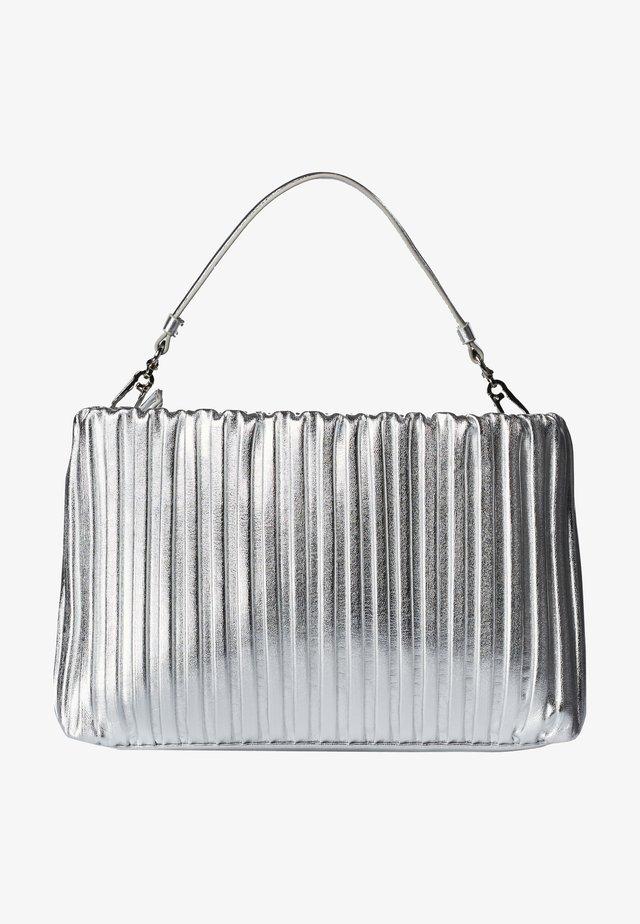 Clutch - a290 silver