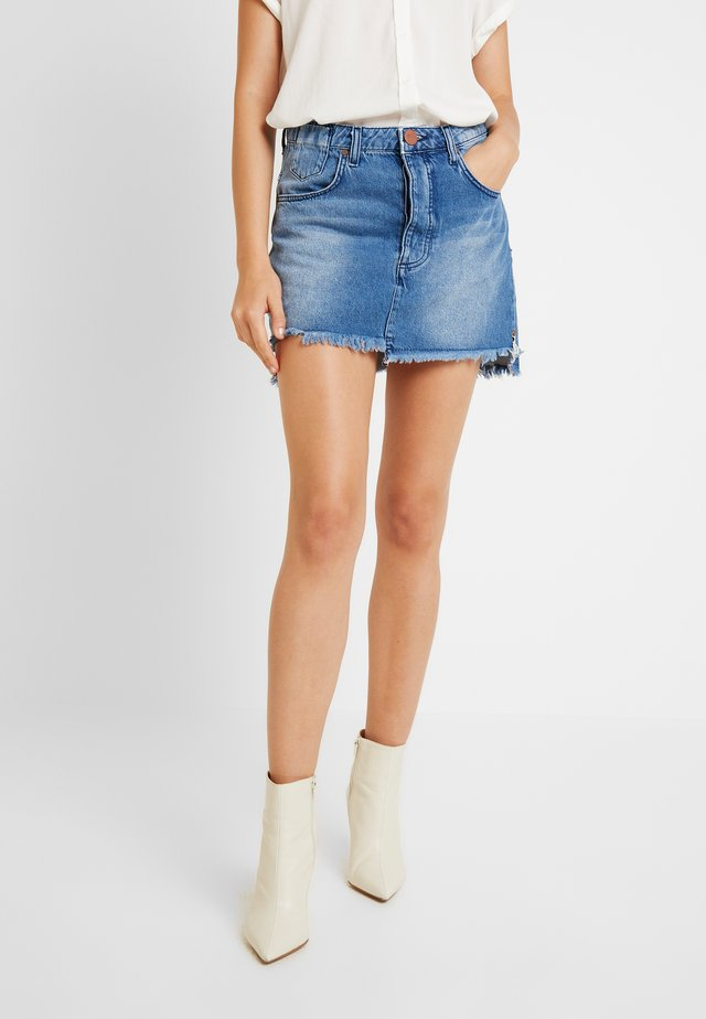 HOLLYWOOD MID RISE RELAXED MINI SKIRT - Spódnica trapezowa - hollywood