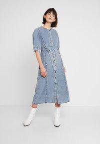 Gestuz - PIETTA DRESS - Denim dress - light-blue denim - 1