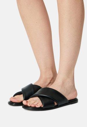 VEGAN RABEA - Pantofle - black