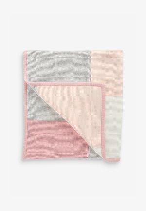 PATCHWORK  - Dětská deka - pink