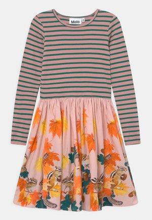 CASIE - Žerzejové šaty - multi-coloured