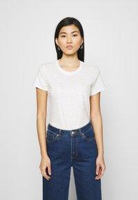 GAP - TEE - T-shirts med print - snow - 0