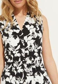 comma - Jersey dress - black floral print - 4