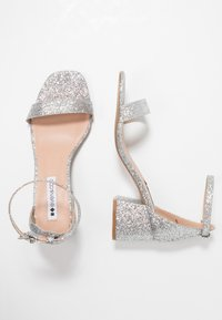 Even&Odd Wide Fit - Sandals - silver - 3
