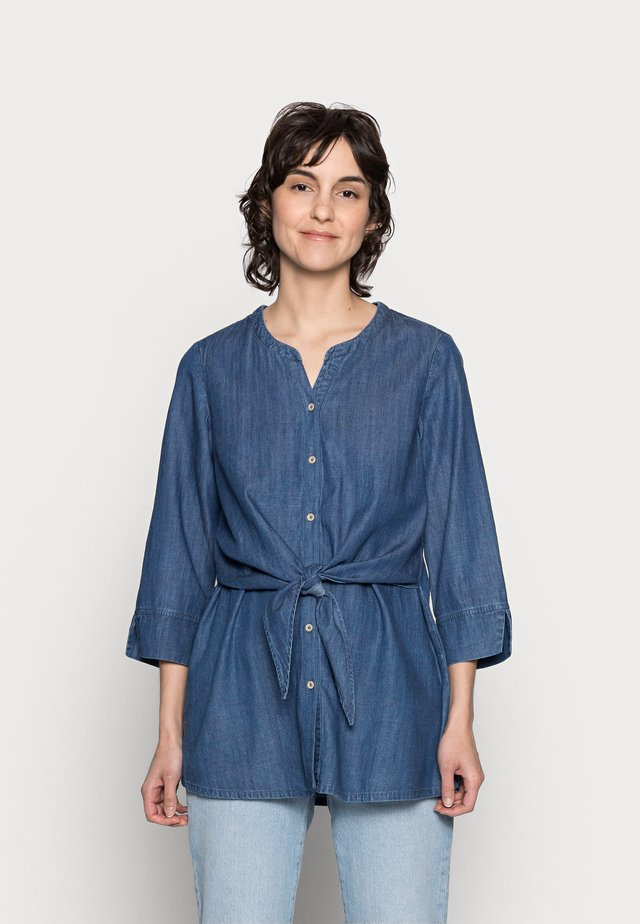 ESTHER TIE WAIST SHIRT - Blouse - chambray blue