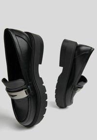 Bershka - Smart slip-ons - black - 2
