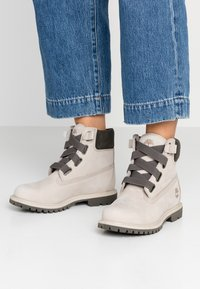 Timberland - 6IN PREMIUM CONVENIENCE - Bottes de neige - light taupe - 0