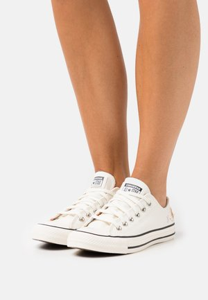 CHUCK TAYLOR ALL STAR - Sneakers laag - egret/multicolor