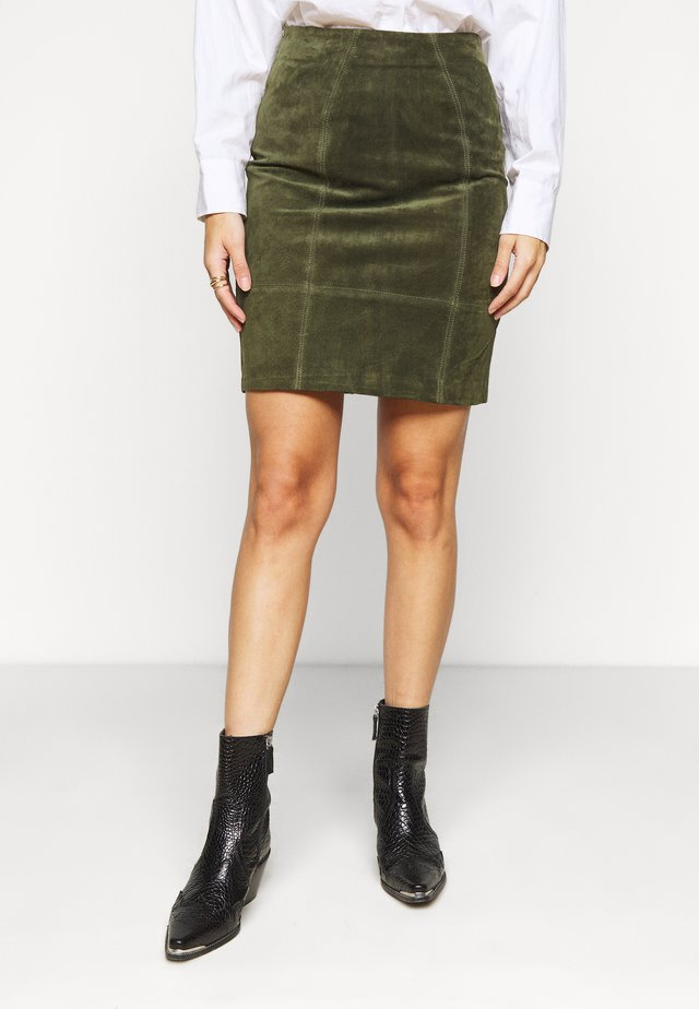 VIFAITH SLIT SKIRT - Gonna di pelle - forest night