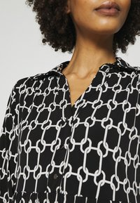 Wallis - CHAIN DRESS - Vestido ligero - mono - 3