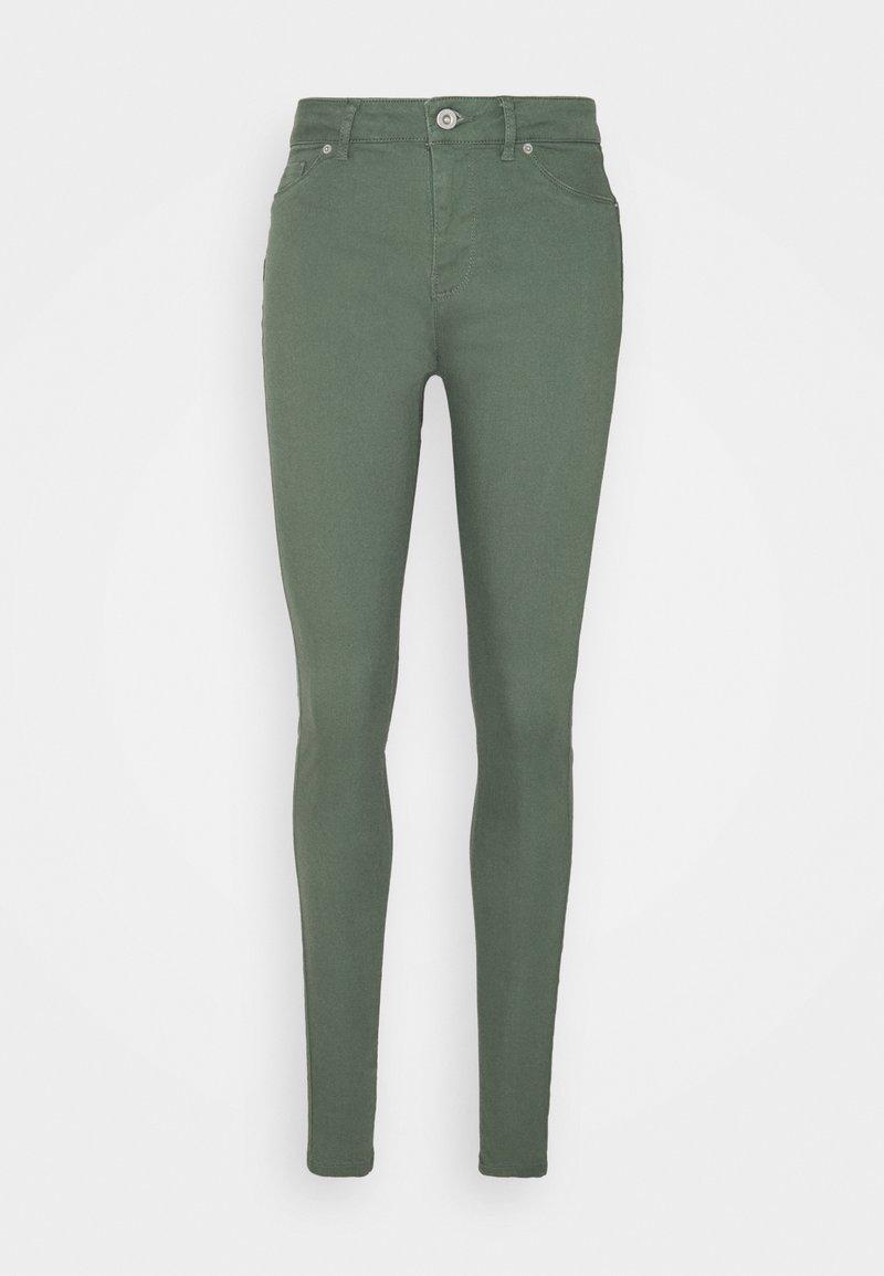 Vero Moda Tall - VMHOT SEVEN PANT - Trousers - laurel wreath