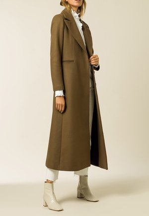 CAECILIA - Classic coat - beech