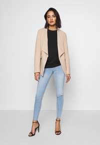 Gina Tricot - MOLLY HIGHWAIST - Jeans Skinny Fit - light blue - 1