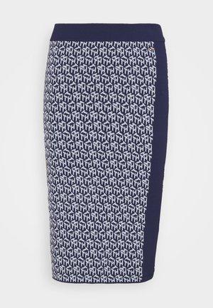 CUBE KNEE LENGTH SKIRT - Pouzdrová sukně - yale navy/breezy blue