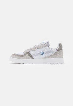 SUPERCOURT UNISEX  - Sneakers - footwear white/solid grey/chalk solid grey