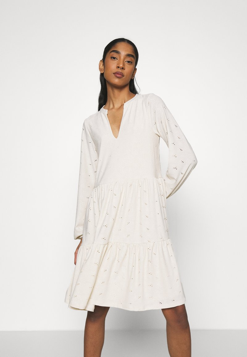 Vila - VISANIANA V-NECK DRESS - Vestito di maglina - birch