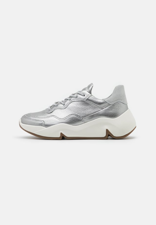 CHUNKY  - Sneakers basse - silver