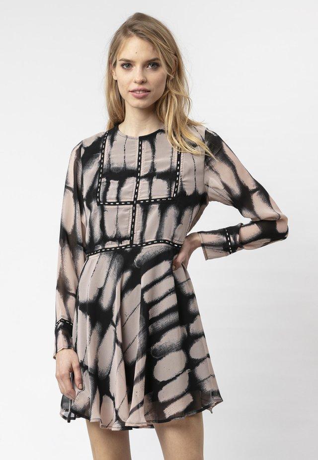 Day dress - luminary