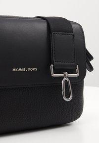 Michael Kors - UTILITY XBODY - Across body bag - black - 6