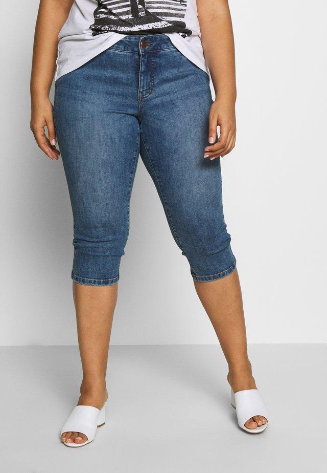 JRFIVE MEENU KNICKERS - Denim shorts - medium blue denim