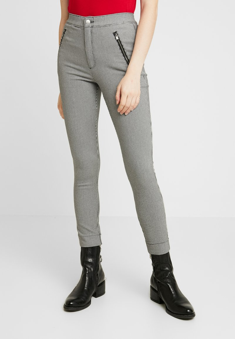 Hollister Co. - PLAID SUPER - Trousers - grey