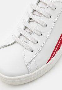 Dsquared2 - UNISEX - Tenisky - white/red - 5