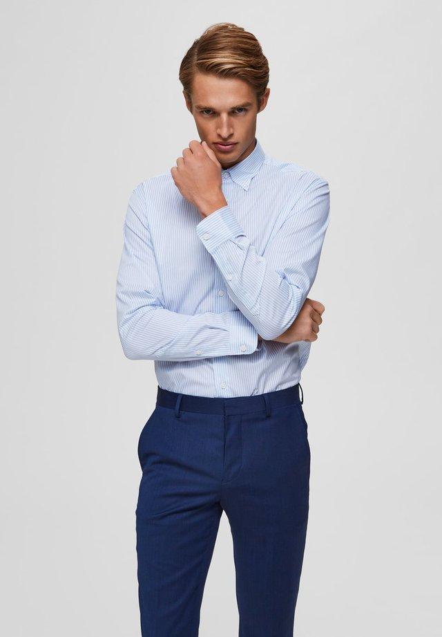 SLIM FIT - Camisa elegante - light blue