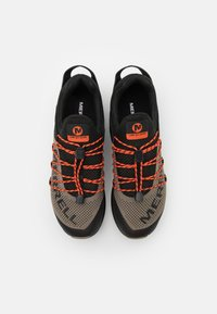 Merrell - LONG SKY SEWN - Scarpe da trail running - black/brindle - 7