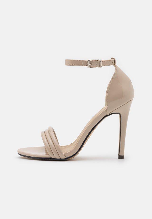 CARMEN - Sandály na vysokém podpatku - nude