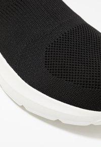 Pier One - Sneakersy wysokie - black/white - 2