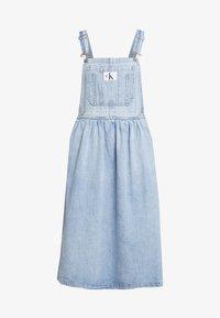 Calvin Klein Jeans - ICONIC DUNGAREE DRESS - Maxi dress - light stone - 4
