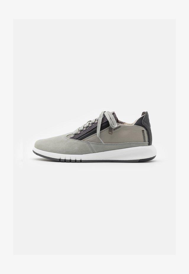 AERANTIS - Sneaker low - light grey