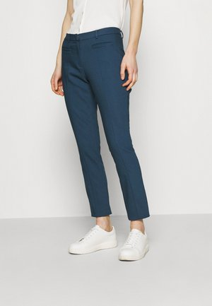 ORGANIC SLIM PANTS - Pantalon classique - light marine