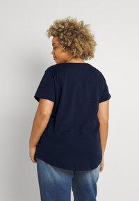 Nike Sportswear - TEE NATURE PLUS - T-shirt print - obsidian - 2