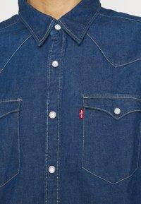 Levi's® - BARSTOW WESTERN STANDARD - Shirt - lowdip denim rinse - 5