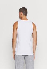 Lacoste - 3 PACK - Undershirt - blanc - 2