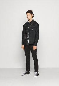 Calvin Klein Jeans - SHIRT - Shirt - denim black - 1