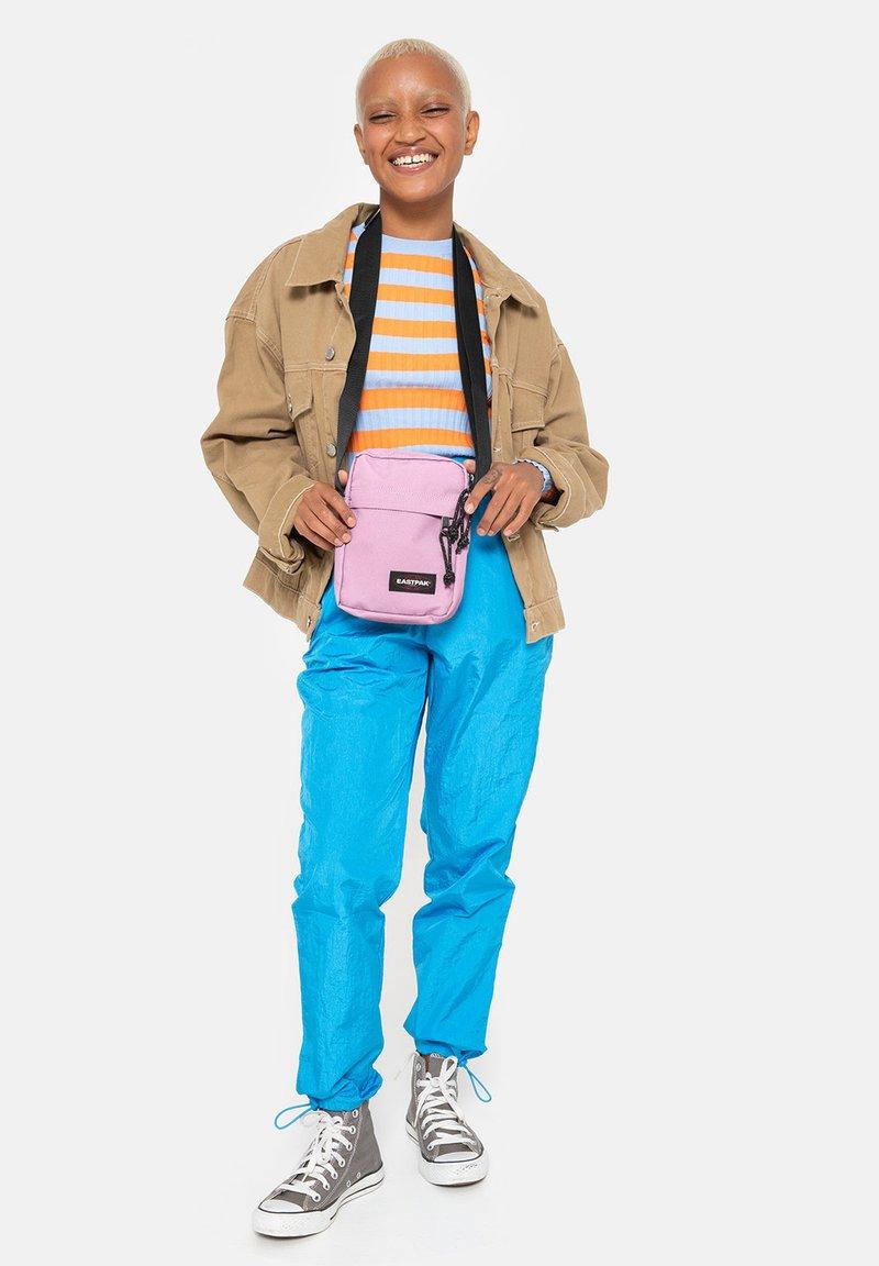 Eastpak - Bum bag - sky pink