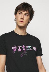 PS Paul Smith - Print T-shirt - black - 4